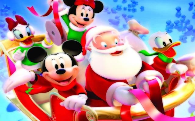 Mickey, Donald, Minie, Daisy y Santa Claus en trineo